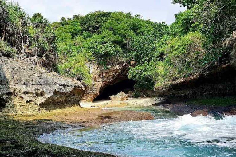 Lumangan Beach