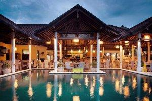 The colonial - donde comer en padang bai