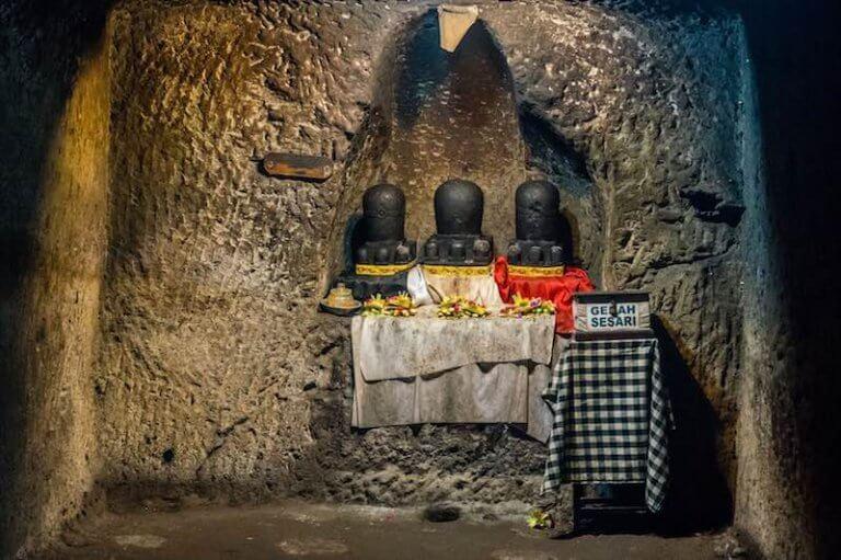 Dentro del templo Goa Gajah